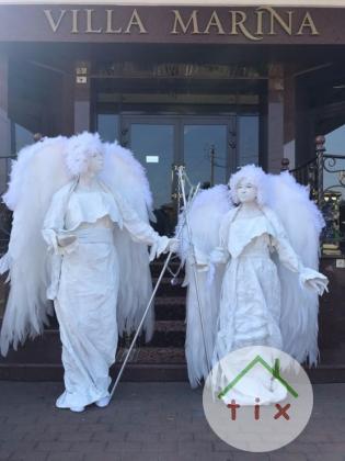Клубная анимация, ангелы на встречу гостей