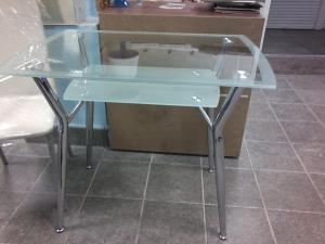 Стол стеклянный прямоугольный 90*60 см.