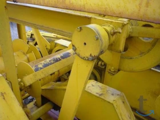 Запчасти и буровое оборудование для станка Амурец-100