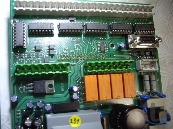 Микросхема  MAX379CPE