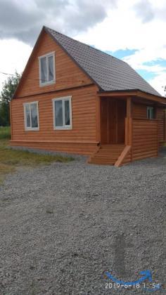 Продаю  отличный  жилой  (гостевой)   дом с  участком