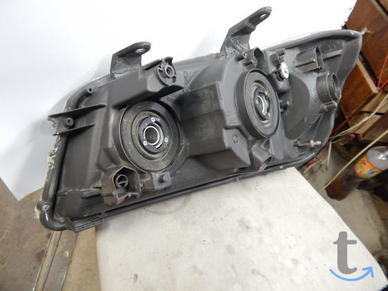 Фара правая Toyota Highlander/Kluger