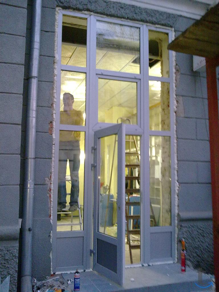 Окна, балконы, ролставни, ворота