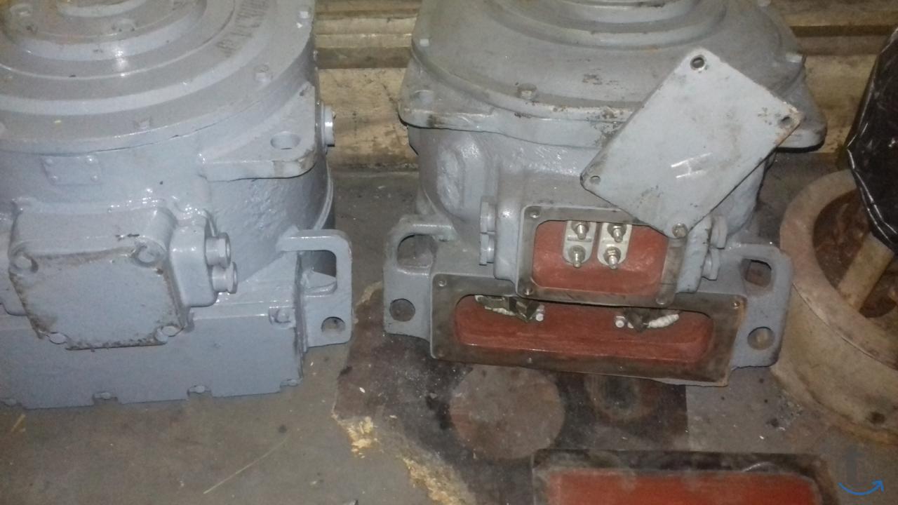 электродвигателя дрт-13 и запчас...