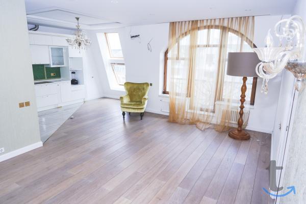 Продаётся 4-комнатная квартира в Москве
