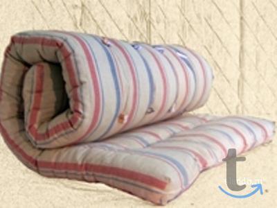 Металлические кровати в большом ...