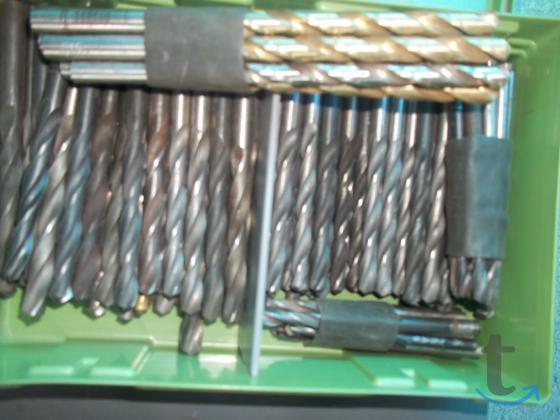 Инструмент для работы с металом.