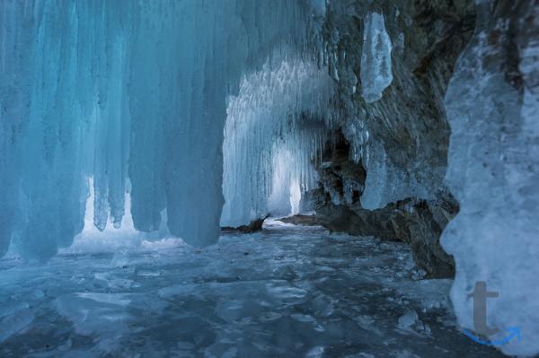 По льду Байкала в городеИркутск