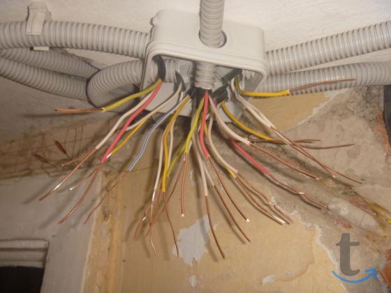 Замена электропроводки дома и в офисе