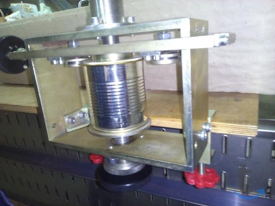 Оборудование (станок ручной) для закатки банок