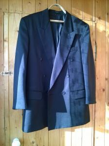Пиджак темный двубортный кл... в городеЯрославль