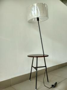 Торшер со столиком из эколо... в городеОмск