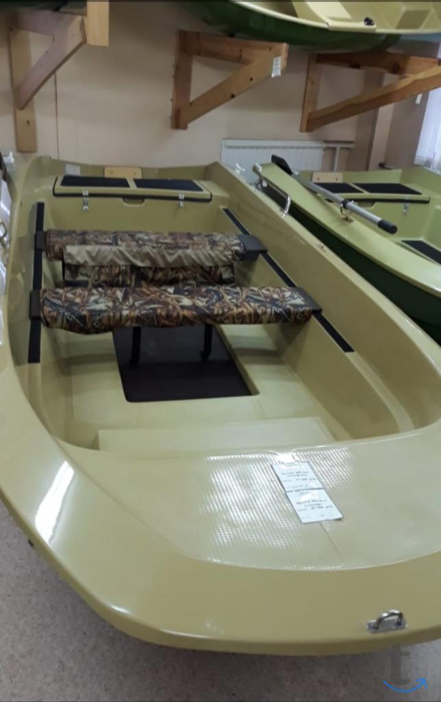 Моторно-гребная лодка Шарк-400 New