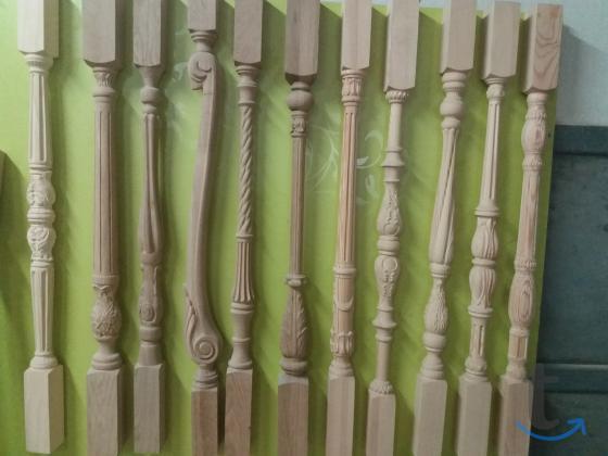 Резной столб для лестниц Грифон.