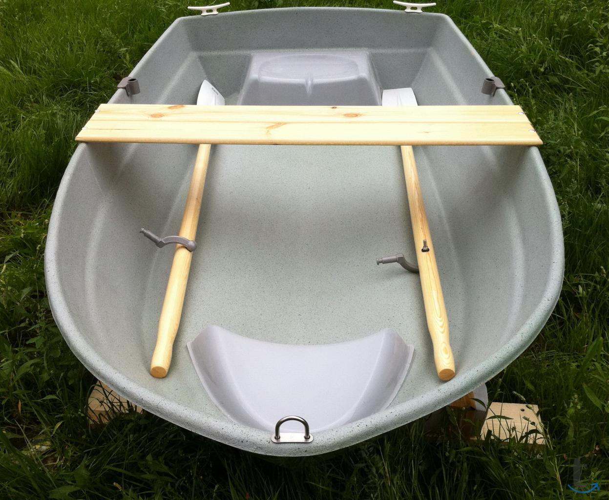 Гребная лодка Шарк-240 Lite