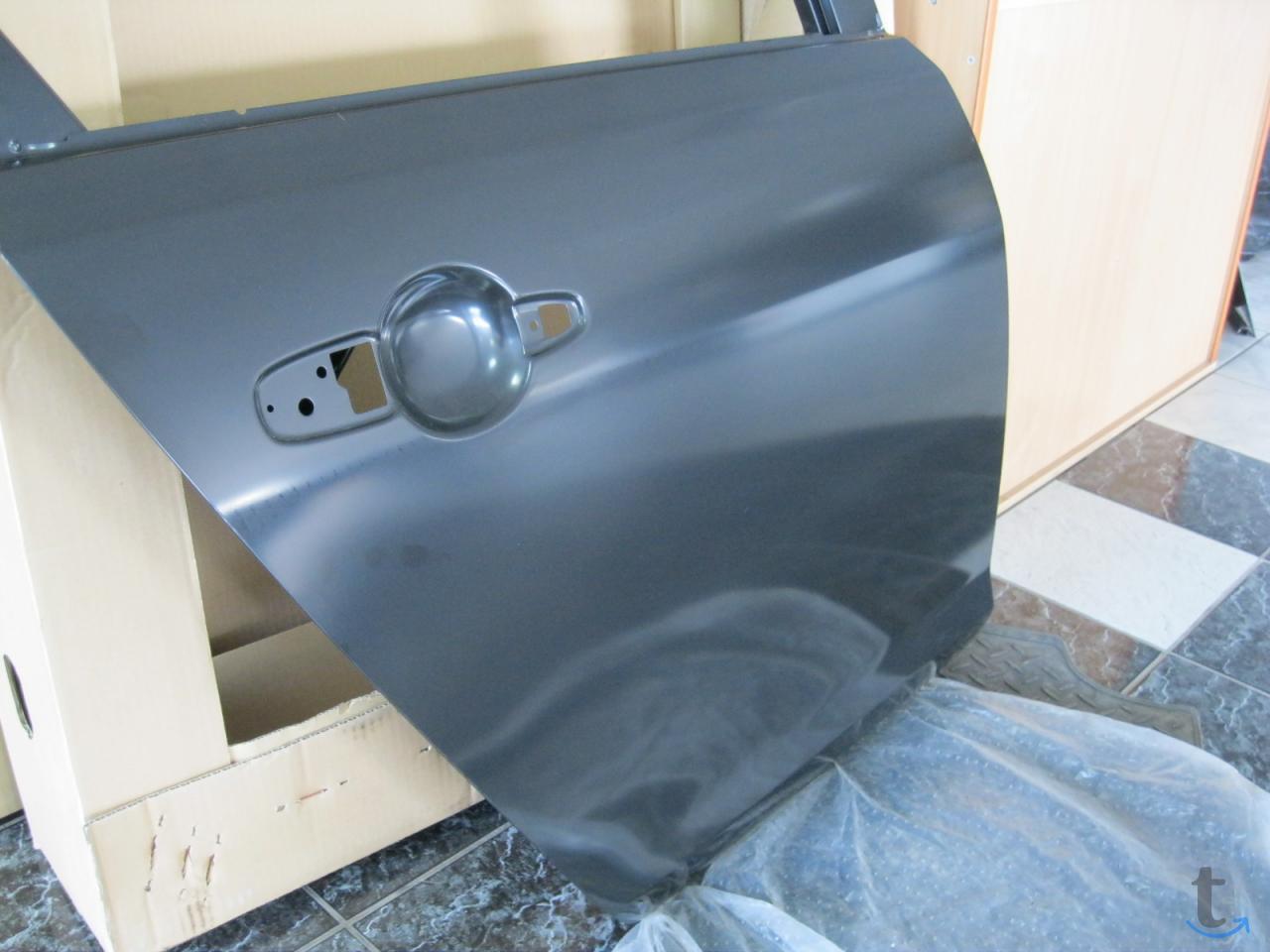 Дверь задняя правая BNYV-72-02XD...