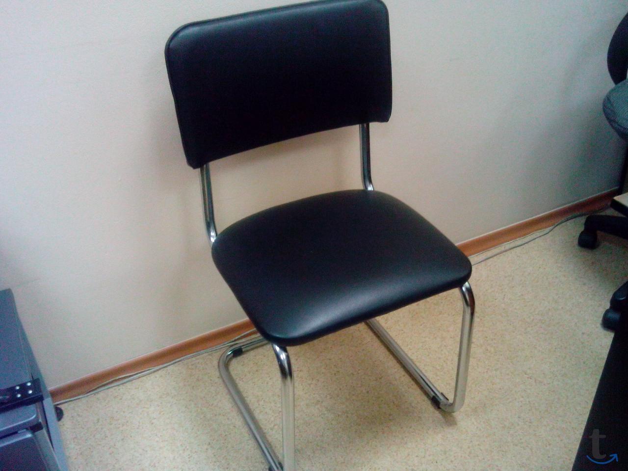 Продам 3 стула на салазках. Мета...
