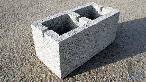 Блоки мелкоштучные керамзитобетонные и шлакоблоки