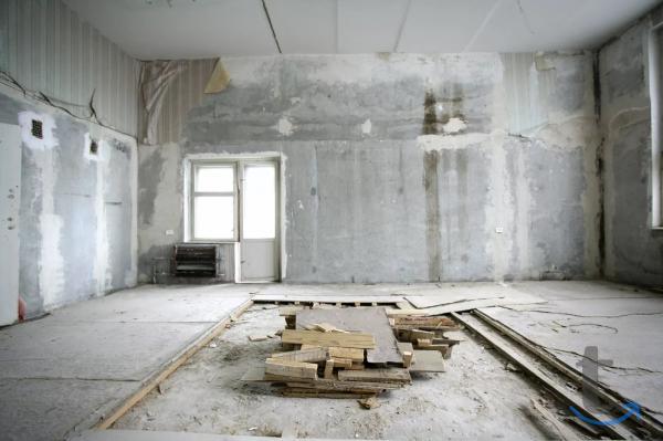 Демонтаж.Стены,стяжка,снос дома,пол,проем,балкон