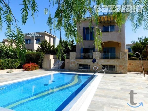 Вилла в Лачи, Полис, Кипр