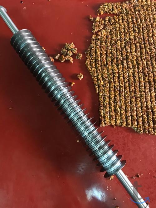 Нож для резки грильяжных масс