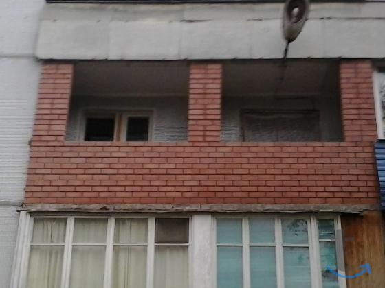 Каменщик балкон перегородки