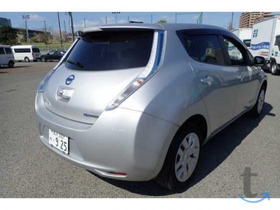 Электромобиль хэтчбек Nissan Lea...