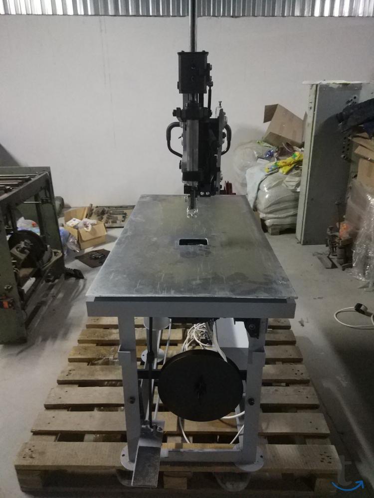 Машина для пиковки матрацев ДМН 68