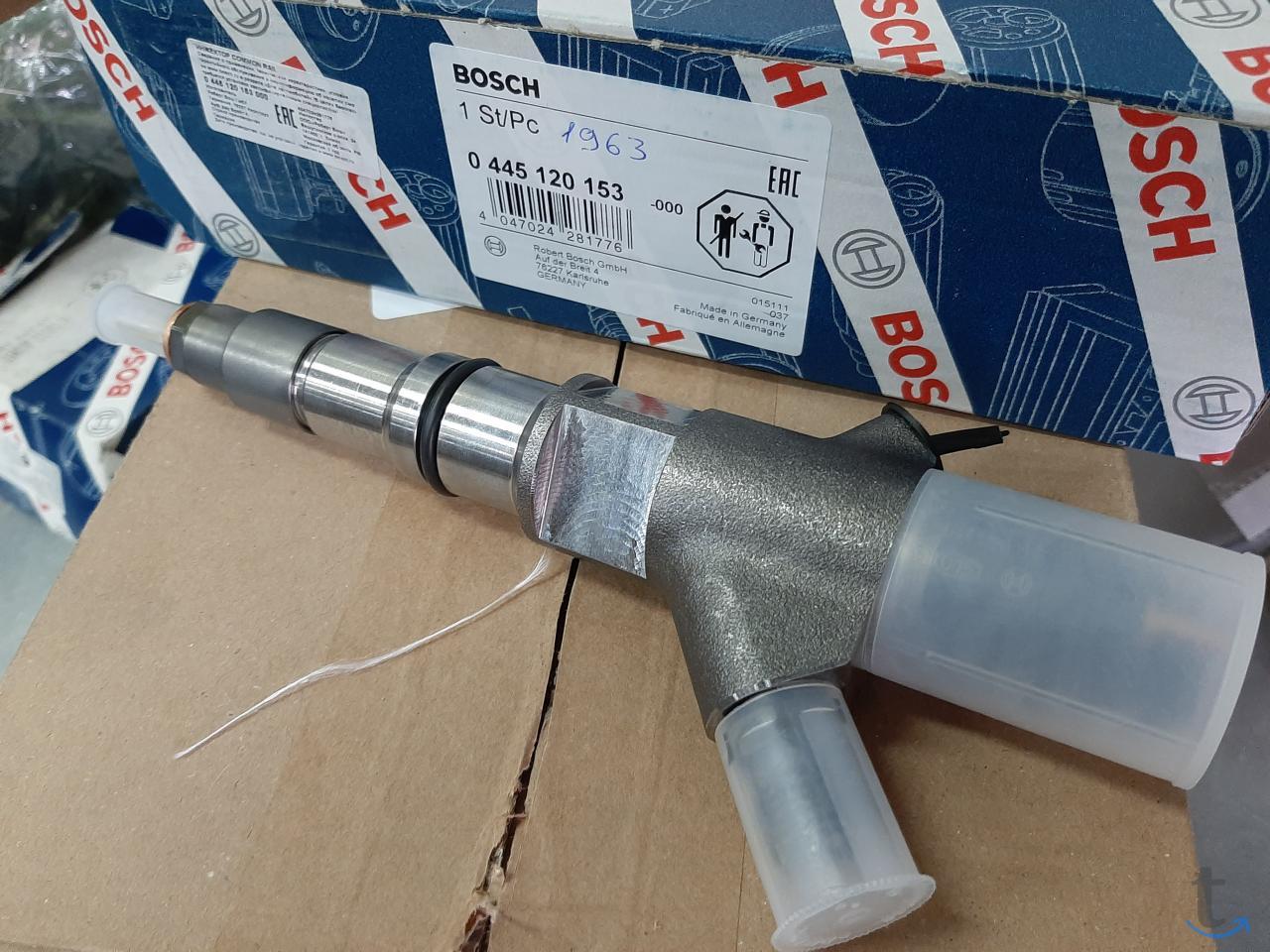 Топливная форсунка Bosch 0445120...