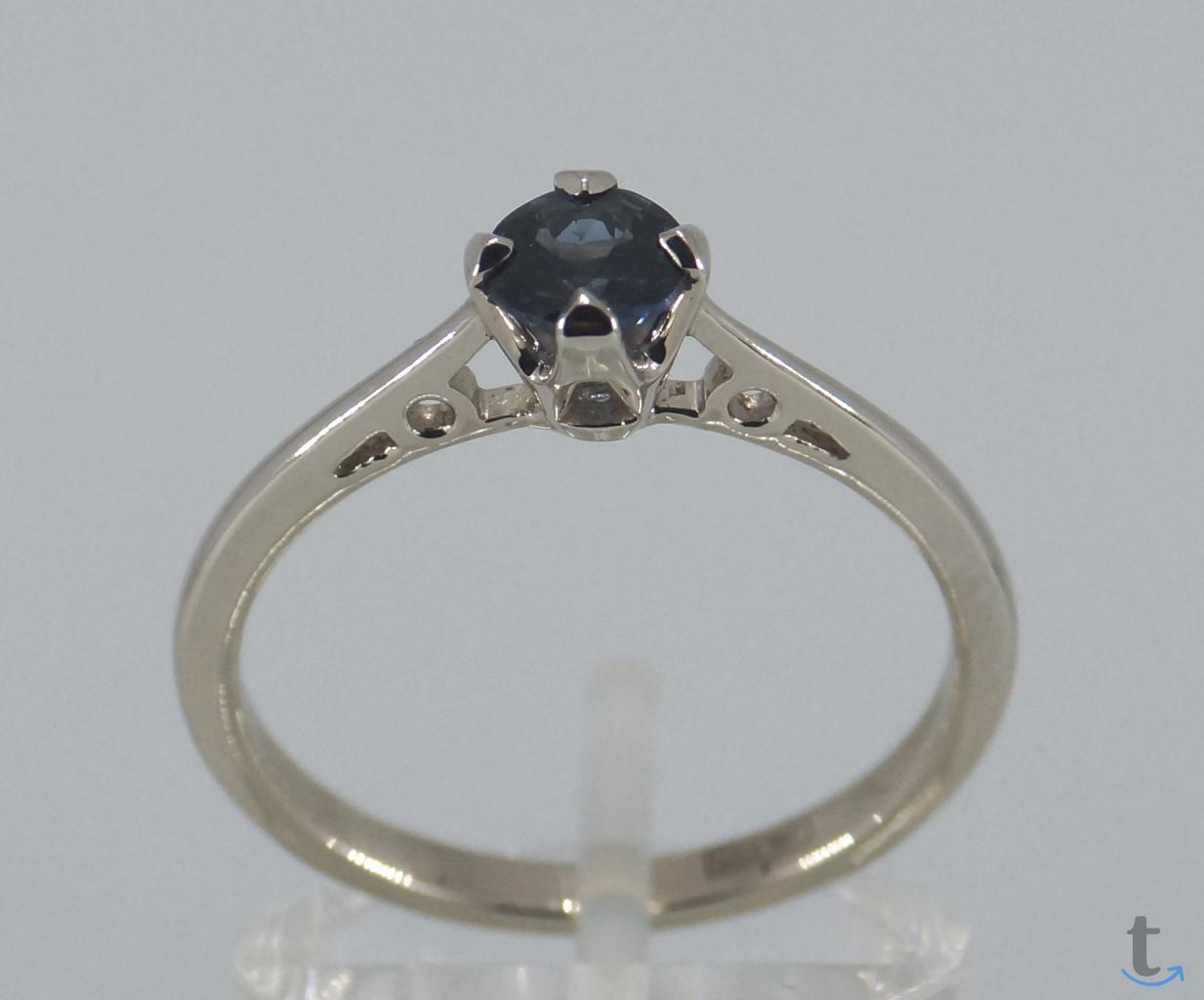 Золотое кольцо с глубоким-синим Сапфиром Ф 5 мм.