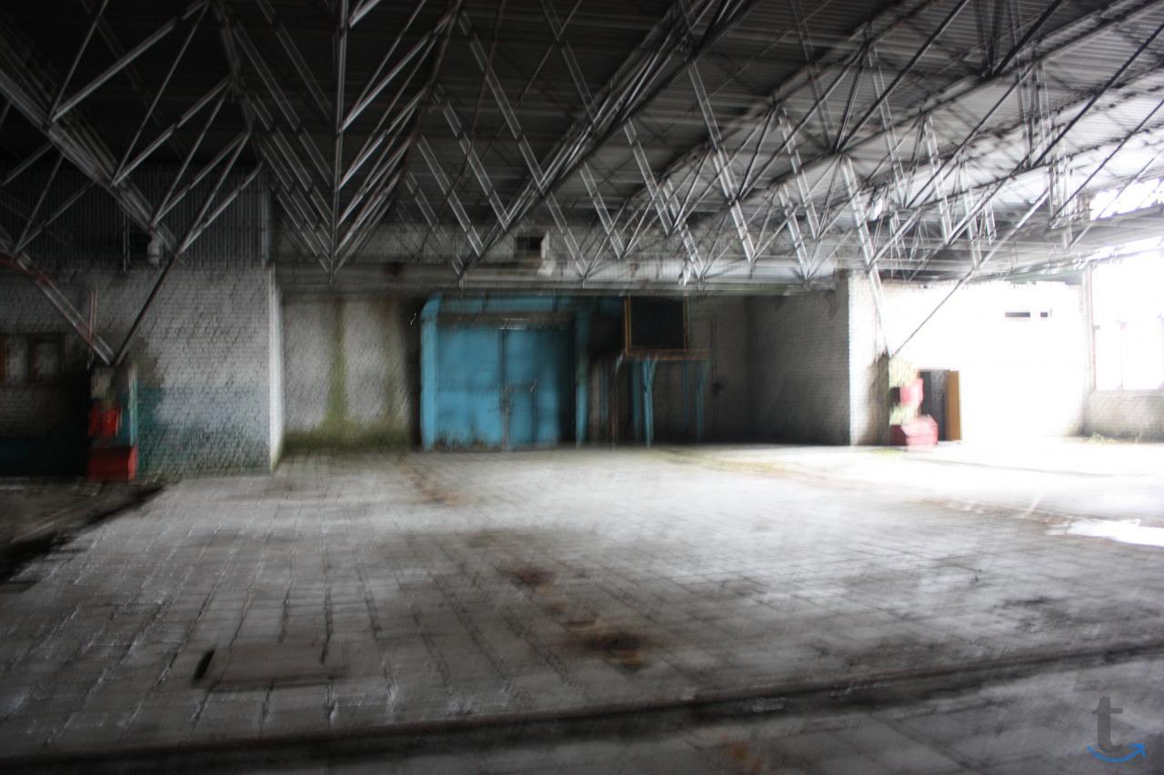 Автомобилистов 3, База 2730 кв.м.