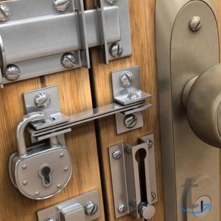 Ремонт металлических дверей в ба...