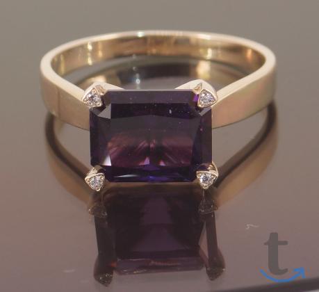 Кольцо золотое с Аметистом и бри...
