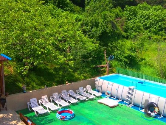 Гостевой дом в Лоо с бассейном и...