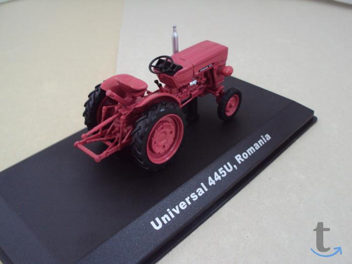 Модель. Трактор Universal 445U R...