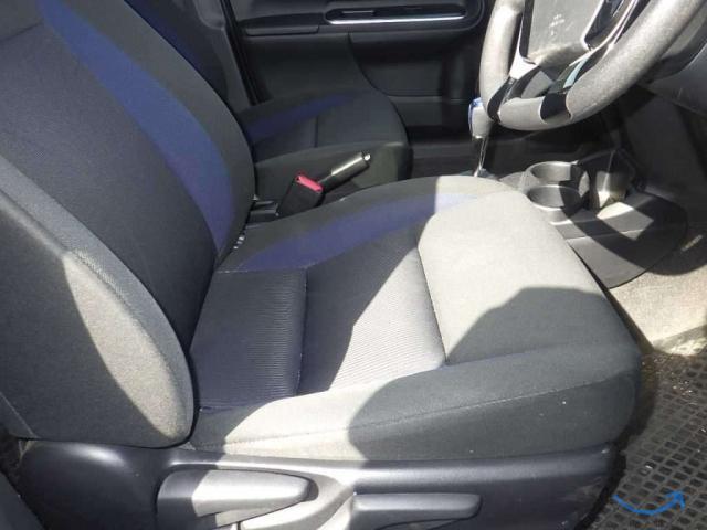 Хэтчбек гибрид Toyota Aqua кузов NHP10 2-й рестайлинг