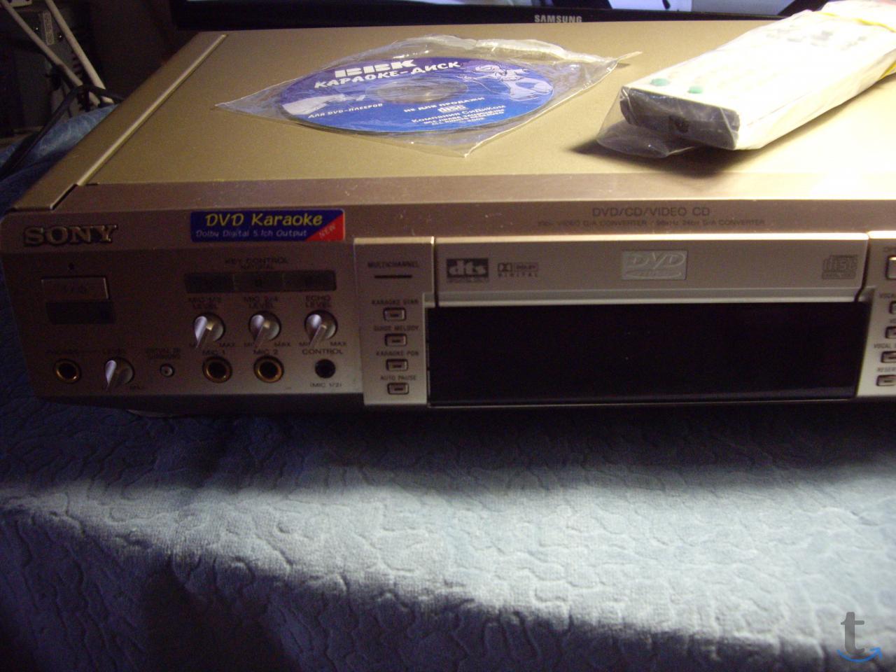 CDDVD  плеер     SONY  DVP-K880D