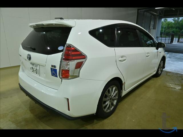 Минивэн гибрид Toyota Prius Alpha ZVW41W S Touring Se